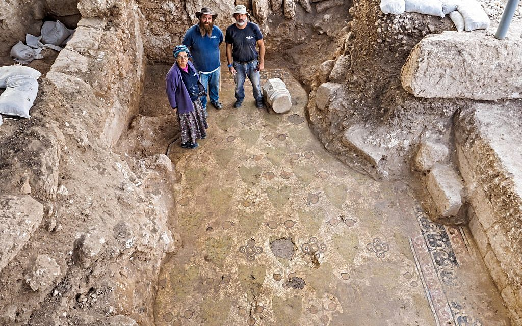 Israel Antiquities Authority archaeologists Naftali Isaac, Benyamin Storchan (center) and Aliza Van Zuiden at the site of the Ramat Beit Shemesh Byzantine monastery. (Assaf Peretz, Israel Antiquities Authority)