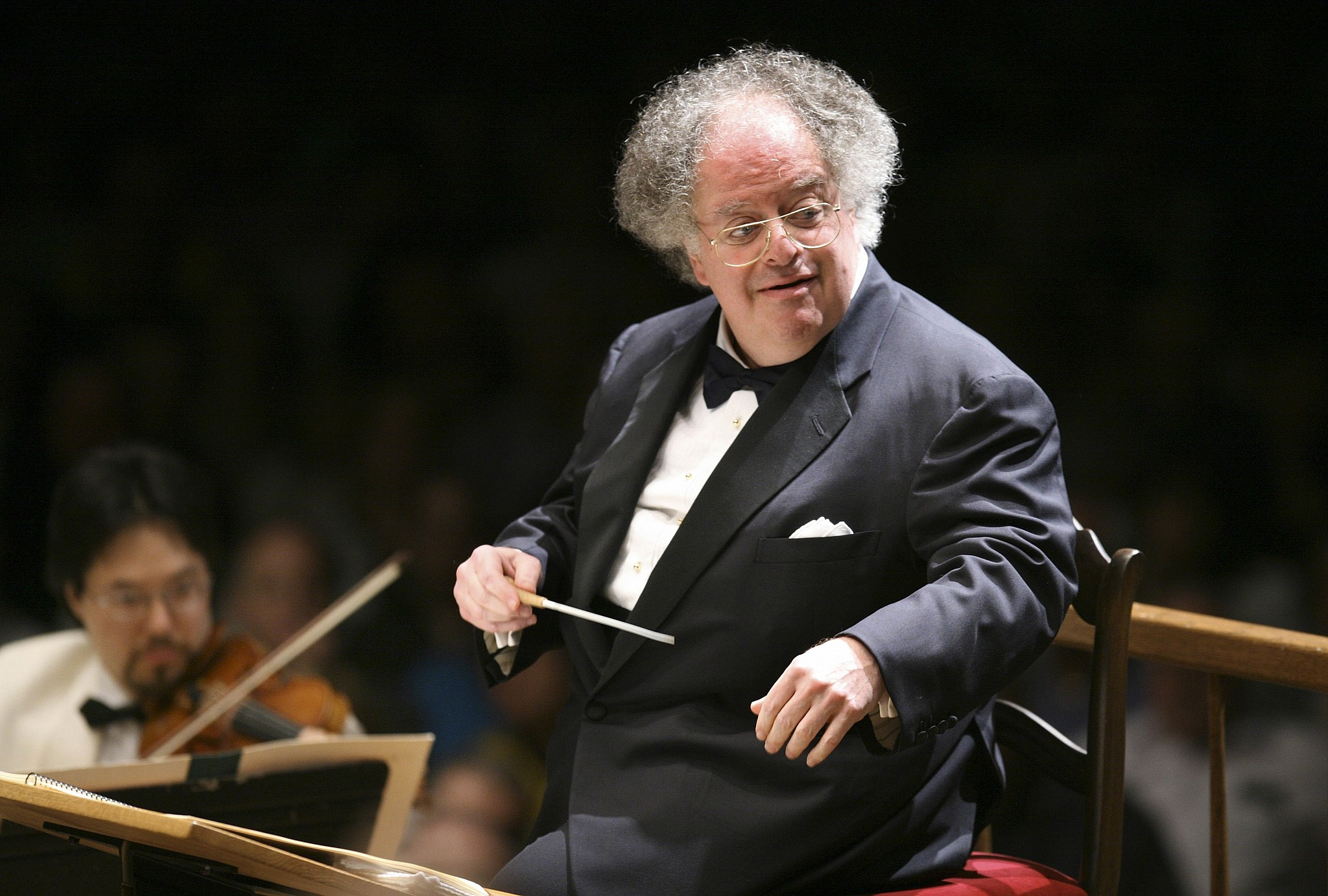 Met opera to probe sexual misconduct charges against conductor James Levine