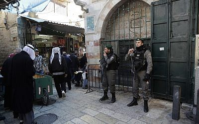 Border police officers guard in Jerusalem's Old City, Friday, Dec. 8, 2017. (AP Photo/Mahmoud Illean)