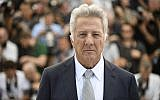 "In this May 21, 2017 photo, actor Dustin Hoffman poses for photographers during the photo call for the film ""The Meyerowitz Stories"" at the 70th international film festival, Cannes, southern France (Arthur Mola/Invision/AP)"