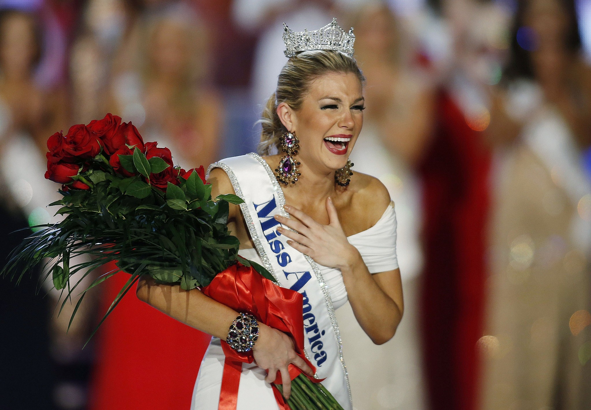 Top leadership of Miss America pageant resigns over email scandal