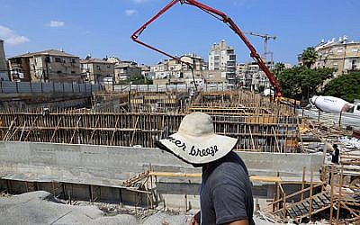 The construction site of the new building for the ultra orthodox chassidic sect of Belz Machnovka, in the orthodox Jewish town of Bnei Brak, on August 16, 2017. (Yaakov Naumi/Flash90)