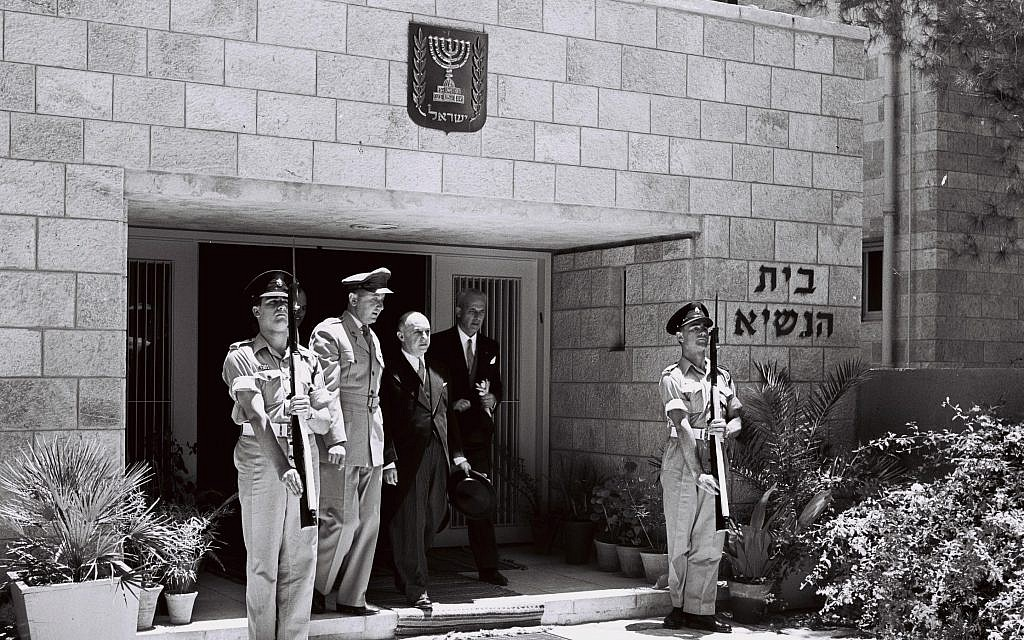 Guatemala's new ambassador to Israel, Dr. Juan Garcia Granados leaving the President's Residence in Jerusalem after presenting his credentials, July 1955 (Moshe Pridan/GPO)