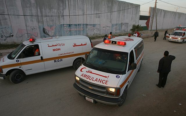 Illustrative image of Palestinian ambulances in Gaza waiting at the Rafah border crossing on January 10, 2008 for treatment in various Arab countries.  (Abed Rahim Khatib/ FLASH90)