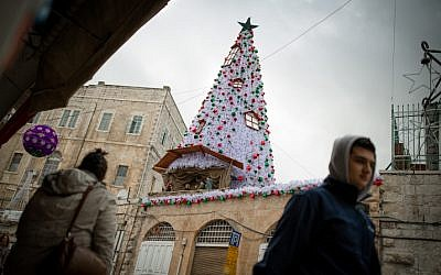 Christmas decoration in the Old City of Jerusalem on December 13. 2016. (Sebi Berens/Flash90)