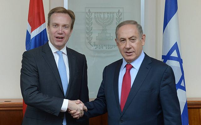 Prime Minister Benjamin Netanyahu meets with Norwegian Foreign Minister Børge Brende in Jerusalem, on January 12, 2017. (Amos Ben Gershom/GPO)