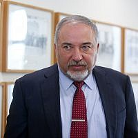 Defense Minister Avigdor Liberman attends the weekly cabinet meeting at the Prime Minster's Office in Jerusalem, December 3, 2017. (Marc Israel Sellem/Flash90)
