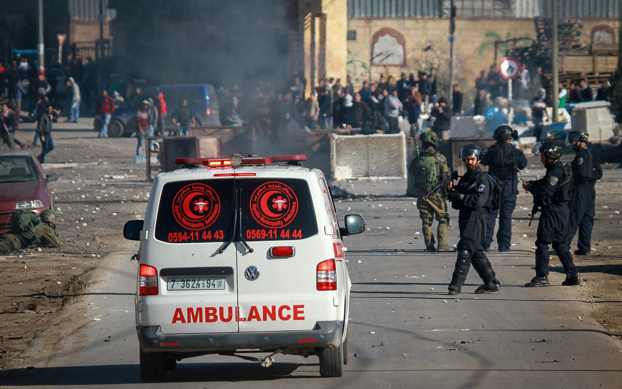 Israeli force attack a student demonstration in Bethlehem