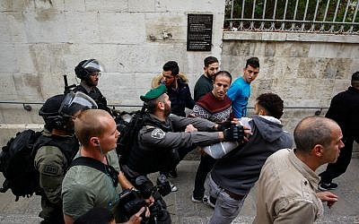 Illustrative: Israeli police clash with Palestinian protesters near Damascus Gate in the Old City of Jerusalem on December 22, 2017.(Suliman Khader/Flash90)