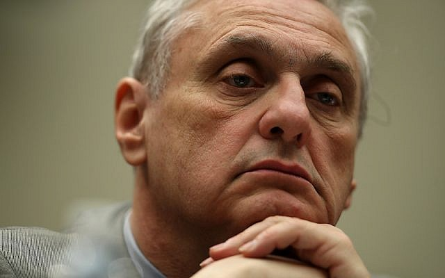 Ninth Circuit Appeals Court Judge Alex Kozinski looks on during a House Judiciary Committee hearing in Washington, DC on March 16, 2017. (Justin Sullivan/Getty Images)