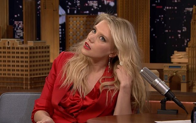 'Saturday Night Live' star Kate McKinnon doing an impersonation of Gal Gadot on 'The Tonight Show,' December 5, 2017. (Screen capture: YouTube)