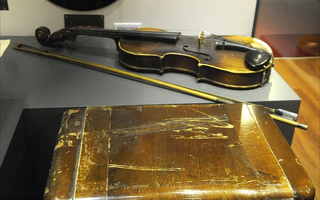 A violin used by a Jewish musician on display at the Jewish Museum of Turkey in Istanbul. (Larry Luxner/Times of Israel)