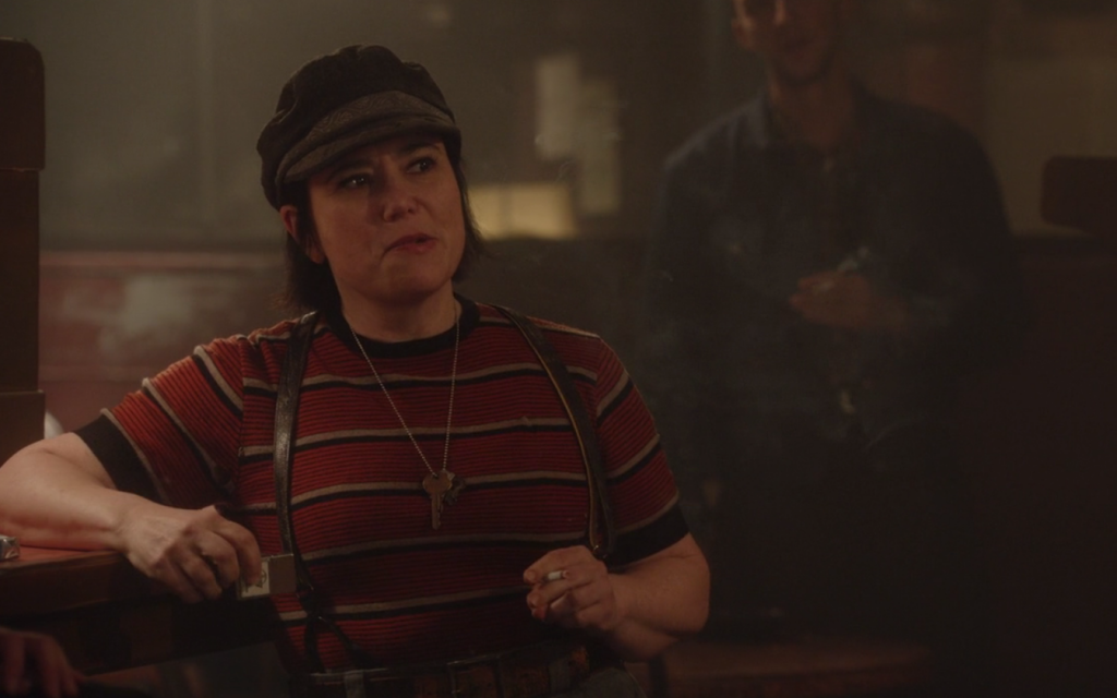 Alex Borstein in 'The Marvelous Mrs. Maisel.' (Screenshot)