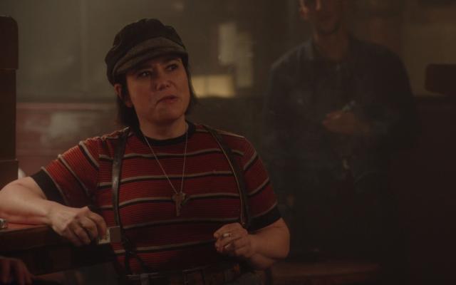 Alex Borstein in 'The Marvelous Mrs. Maisel.' (Screenshot)