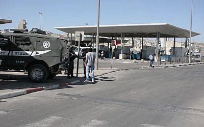 Illustrative: Qalandiya crossing. (Border Police)