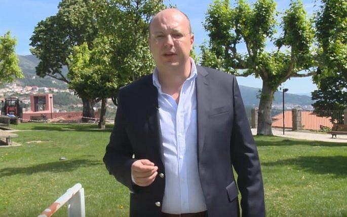 """פארטוגאל פאליטישאן רויבט """"אידיש"""" געלט"""