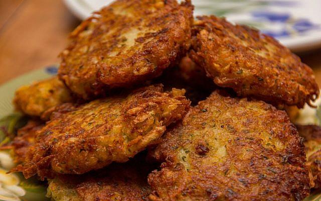 Potato latkes. (Flickr/Wikimedia commons/via JTA)