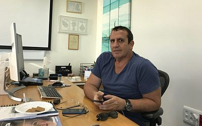 Mellanox CEO Eyal Waldman in his office in Tel Aviv (Shoshanna Solomon/TimesofIsrael)