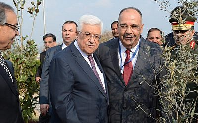 Palestinian Ambassador to Pakistan Walid Abu Ali with Palestinian Authority President Mahmoud Abbas (Facebook)