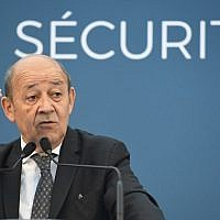 French Foreign Minister Jean-Yves le Drian delivers a speech on January 15, 2018 in Mur-de-Bretagne, western France. (AFP Photo/Damien Meyer)