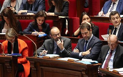 French Prime Minister Edouard Philippe, center-left, attends a session of questions to the government on January 24, 2018 at the National Assembly in Paris. (JACQUES DEMARTHON/AFP)