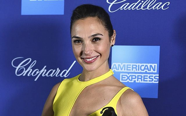 Gal Gadot poses in the press room with the rising star award-actress for 'Wonder Woman' at the 29th annual Palm Springs International Film Festival on January 2, 2018, in Palm Springs, California. (Jordan Strauss/Invision/AP)