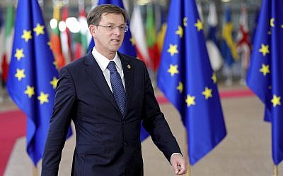 Slovenian Prime Minister Miro Cerar arrives for an EU summit at the Europa building in Brussels on December 14, 2017 (AP Photo/ Olivier Matthys)