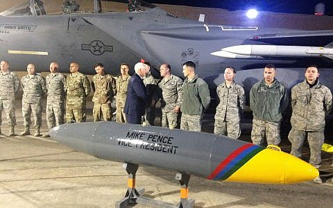 US Vice President Mike Pence greets American troops on January 21, 2018, near the Syrian border. (AP Photo/Ken Thomas)