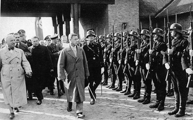 Edward VIII walks by an SS formation on a trip to Germany. (Bundesarchiv bild)