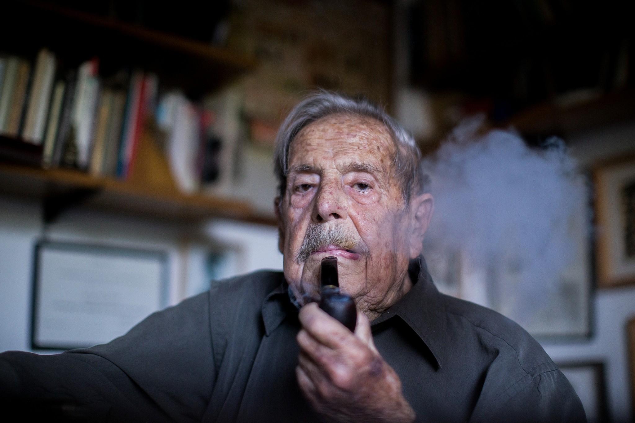 Haim Gouri Veteran Israeli War Poet Dies At 94 The Times Of Israel