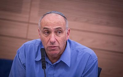 MK Motti Yogev at a meeting of the Knesset Defense and Foreign Affairs Committee meeting, June 14, 2016. (Hadas Parush/Flash90)
