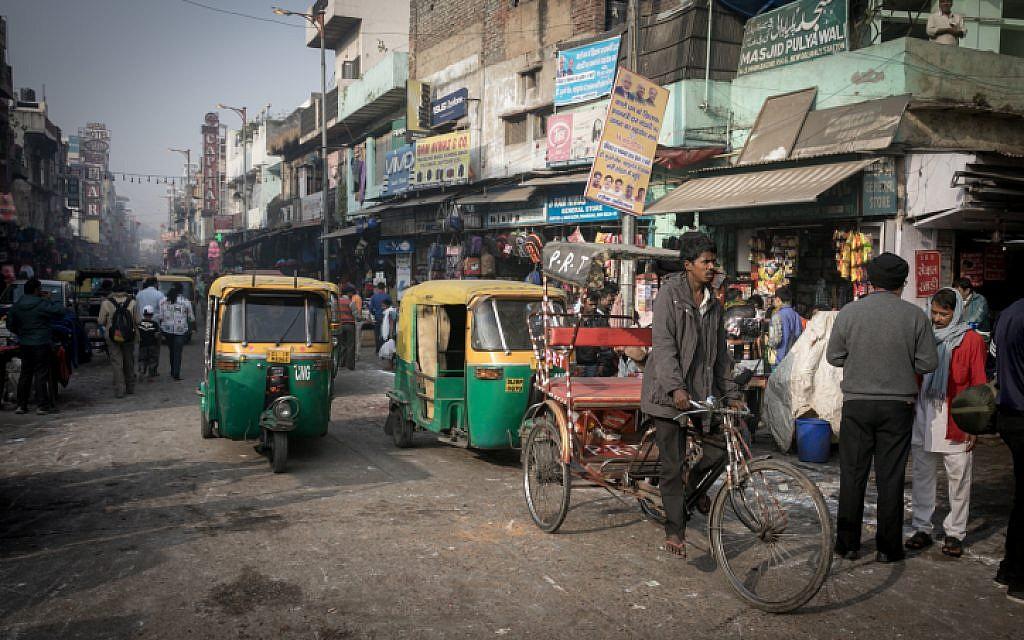 Dozens killed in New Delhi factory fire