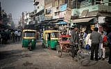 Rickshaws in New Delhi, India. December 12, 2016. Nati Shohat/FLASH90)