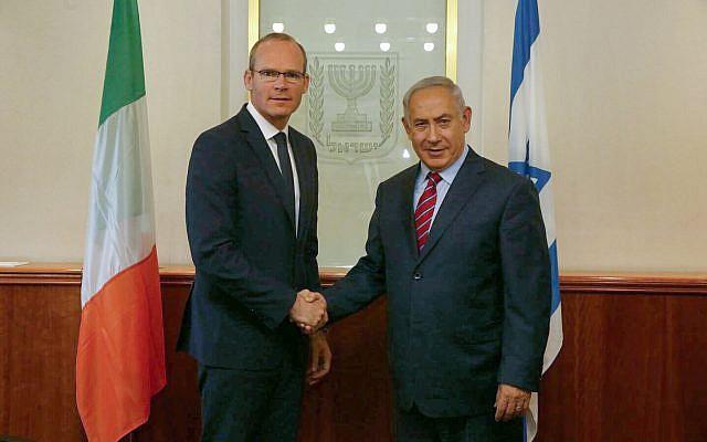 Prime Minister Benjamin Netanyahu meets with Irish Foreign Minister Simon Coveney in Jerusalem on July 11, 2017. (Haim Zach/GPO)
