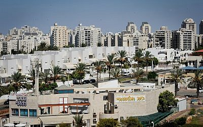 General view of the Southern Israeli city of Ashdod on September 28, 2017. (Serge Attal/Flash90)