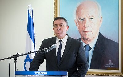 Head of the Zionist Union Avi Gabbay leads a faction meeting at the Knesset, January 08, 2018. (Miriam Alster/Flash90)
