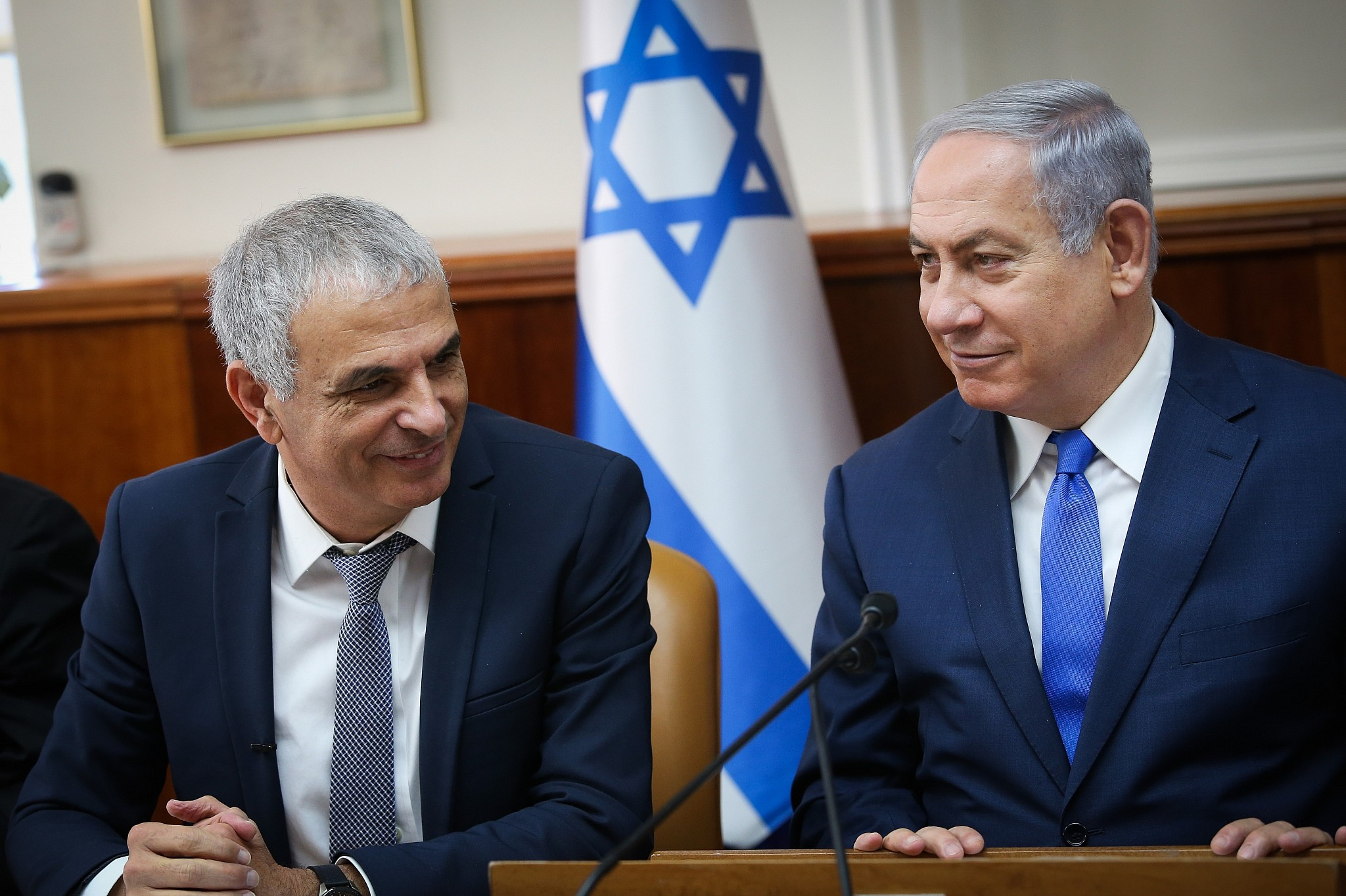 Marvelous Prime Minister Benjamin Netanyahu, Right, And Finance Minister Moshe Kahlon  At A Special Cabinet