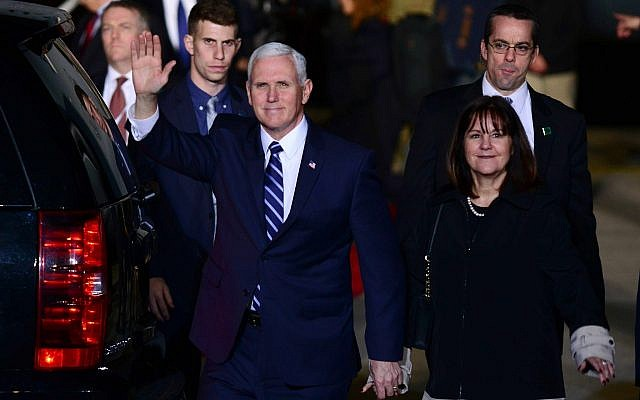 US vice president Mike Pence and his wife Karen arrive at Ben Gurion International Airport on Sunday, January 21, 2018. (Tomer Neuberg/Flash90)