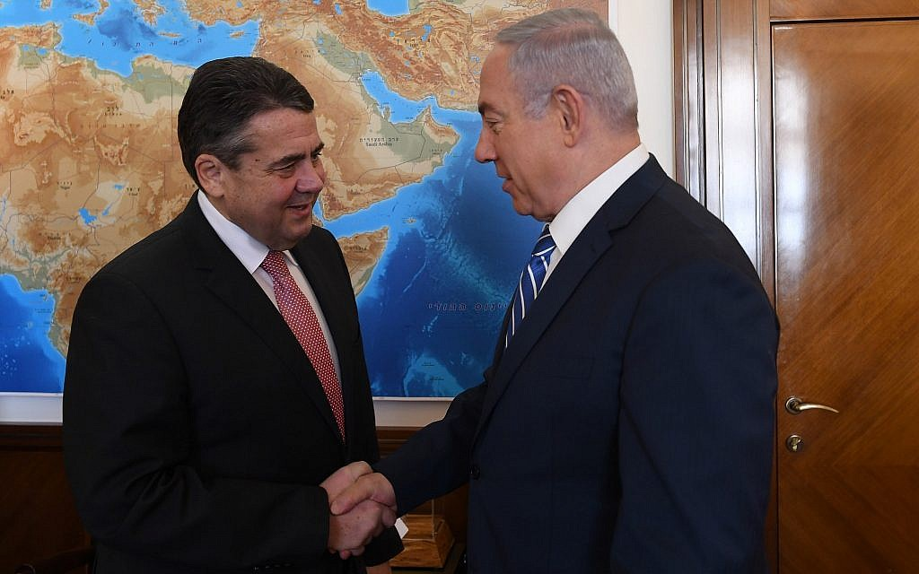 Prime Minister Benjamin Netanyahu meets with German Foreign Minister Sigmar Gabriel at Prime Minister's Office in Jerusalem, on January 31, 2018. (Kobi Gideon/GPO)