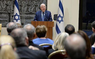 President Reuven Rivlin speaks to Israeli diplomats at the president's residence in Jerusalem, on January 22, 2018. (Mark Neiman/GPO)
