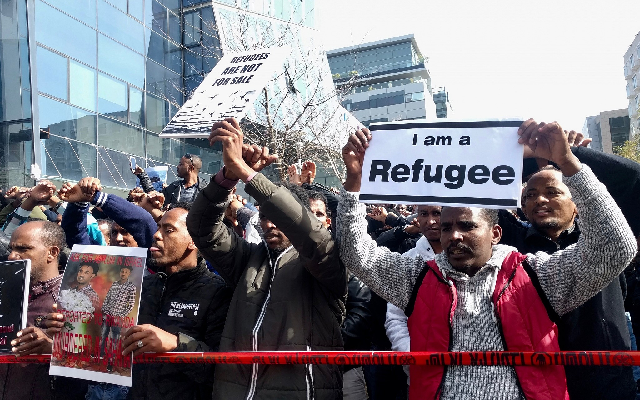 Its Not Just Demonstrators Saying >> Netanyahu Israel Won T Sign Global Migration Pact Must Protect Its