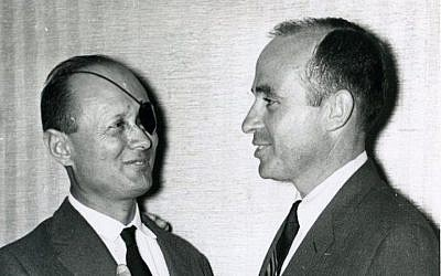 Alan Sagner, right, with Israeli general Moshe Dayan, at a 1961 United Jewish Appeal dinner in West Orange, New Jersey. (Courtesy of the Jewish Historical Society of NJ/JTA)