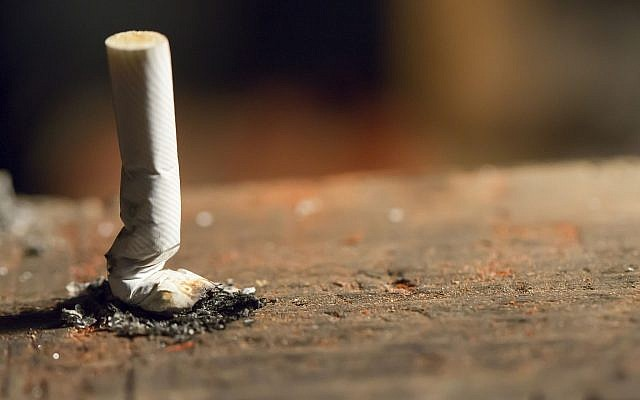 Illustrative image of a cigarette (sercansamanci, iStock by Getty Images)