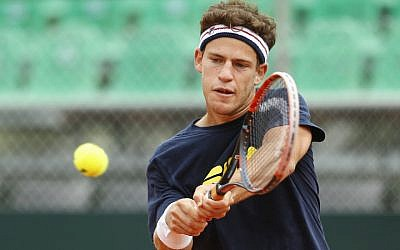 Diego Schwartzman practicing in Buenos Aires, February 1, 2017. (Gabriel Rossi/LatinContent/Getty Images)