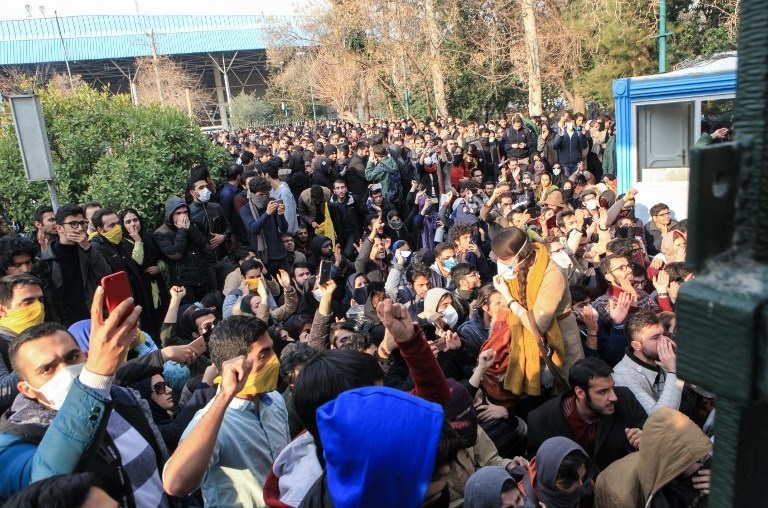 Iran blames Britain and USA  for recent unrest