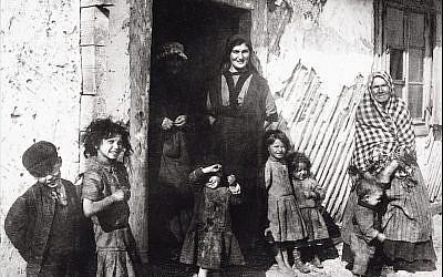 A Jewish family in Jedrzejow, Poland, circa 1900. (Imagno/Getty Images via JTA)