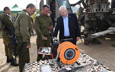IDF brass brief President Reuven Rivlin during a tour of the Gaza border area, January 21, 2018. (Mark Neiman / GPO)