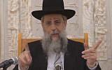 Screenshot of Rabbi David Yosef criticizing MK Yehuda Glick during his weekly recorded sermon, broadcast on Kikar HaShabbat on January 17, 2018.