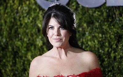 Monica Lewinsky, posing at arrival for the American Theatre Wing's 69th Annual Tony Awards at the Radio City Music Hall in New York City, June 7, 2015. (AFP PHOTO / KENA BETANCUR)