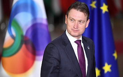 Dutch Foreign Minister Halbe Zijlstra arrives for an EU Eastern Partnership summit at the European Council in Brussels, November 24, 2017. (AFP Photo/Emmanuel Dunand)